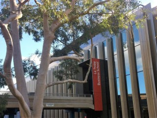 LA TROBE BUSINESS SCHOOL, MELBOURNE, VICTORIA